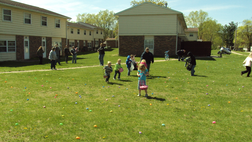 carroll-county-housing-authority-savanna-illinois-easter-egg-hunt
